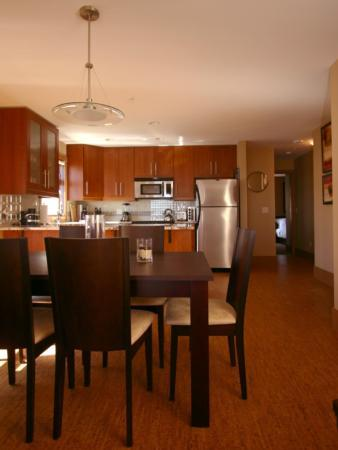 Upscale elegance and comfort awaits you at The Raven! - Dan and Anne-Gi - Big White - rentals