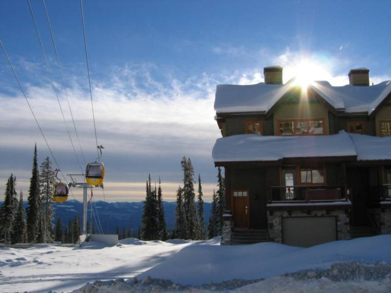 Enjoy a magical holiday in the heart of Big White. Ski-in Ski-out and only a few minutes walk from both village centers, our new, luxury ski home has all you could wish for. - 1 Blacksmith Lodge - British Columbia - rentals