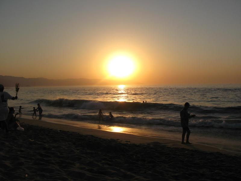 Sunset on Playa los Muertos - Casa del Paraiso, 1 bedroom condo above Old Town - Puerto Vallarta - rentals