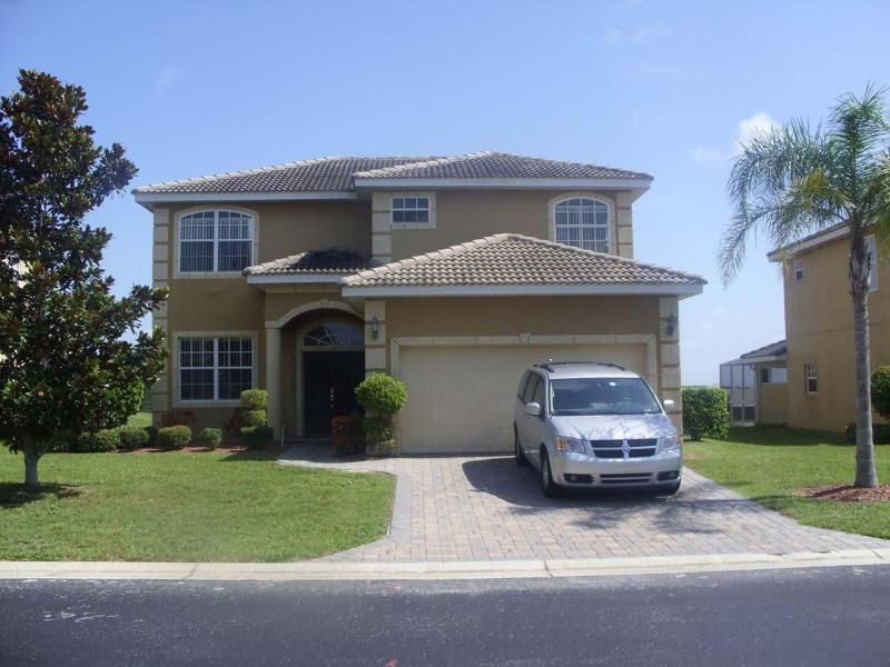Front view - DizneyVista Villa - 5 Bed home with pool spa & bbq - Davenport - rentals