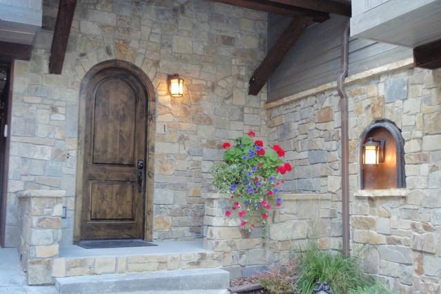 Front Door - Pinnacle Ridge 5 Luxury Condo, Steps to the Hill. - Whitefish - rentals