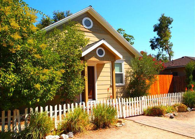 Exterior - Right in the Heart of Paso Robles on the Desirable West Side. - Paso Robles - rentals