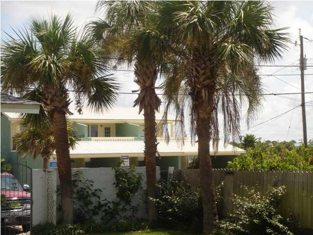 Beautiful Florida Palm Trees - Ocean Oasis 3 Bedroom House beach@front door+WiFi - Panama City Beach - rentals
