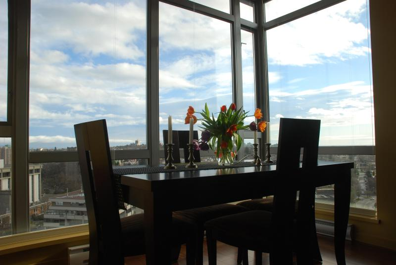 A Room with a View - Luxury Penthouse 2 Bdrm Condo: Million Dollar View - Victoria - rentals