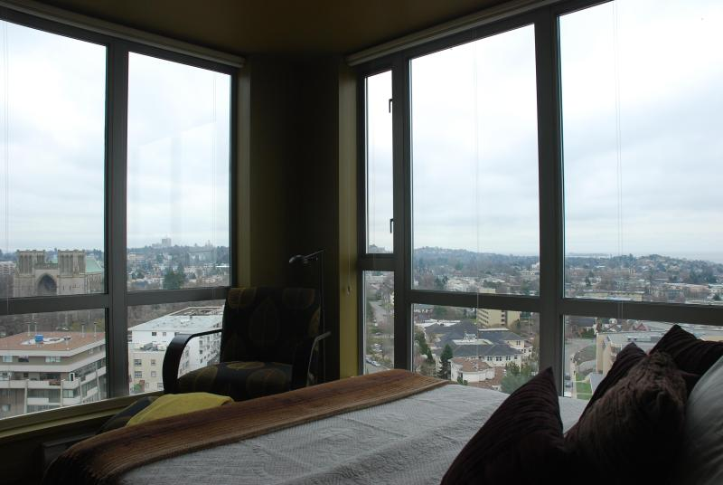 View from 2nd Bedroom - Luxury Penthouse 2 Bdrm Condo: Million Dollar View - Victoria - rentals
