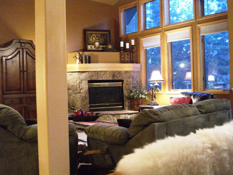 Spacious great room with fireplace where family and friends can congregate - On Peak 8 - Private Hot Tub - Free Night! - Breckenridge - rentals