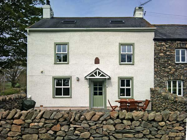 LOW SCATHWAITE, family friendly, luxury holiday cottage, with a garden in Greenodd, Ref 4475 - Image 1 - Greenodd - rentals