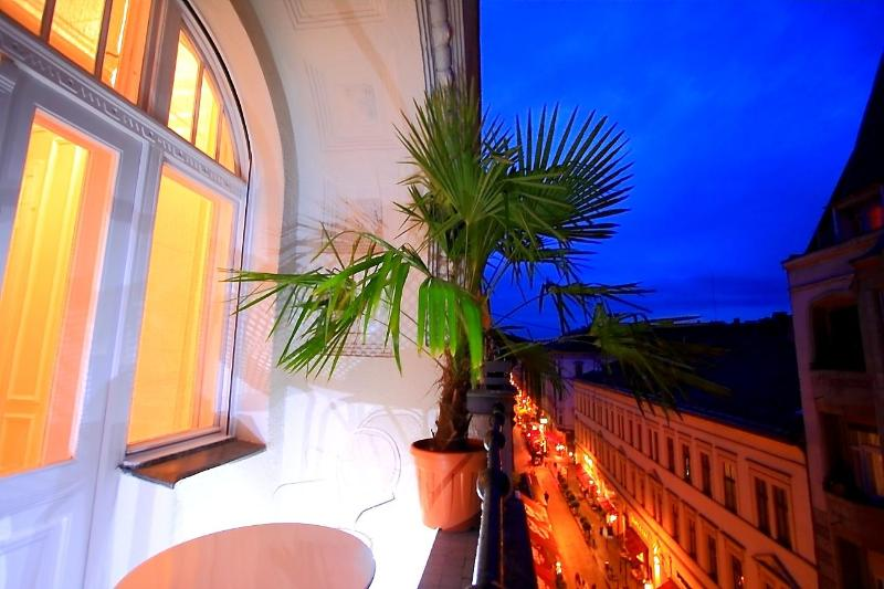 Loggia on Raday street - Raday Eclectic Suite, Art Nouveau,125sqm, WiFi AC - Budapest - rentals
