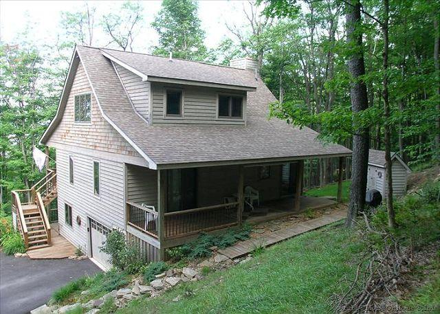Black Bear Run - Spectacular mountain cottage offers comfort and seclusion. - Image 1 - Canaan Valley - rentals