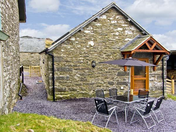 TY ISAF PENRHYDDION, pet friendly, country holiday cottage, with a garden in Betws-Y-Coed, Ref 4481 - Image 1 - Betws-y-Coed - rentals
