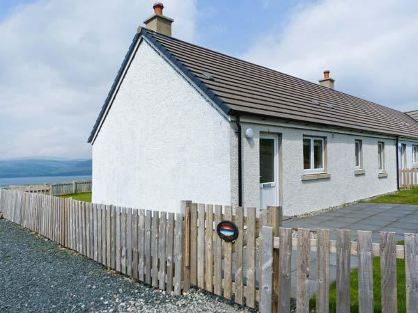 SUNSET COTTAGE, pet friendly, country holiday cottage, with a garden in Salen, Ref 4435 - Image 1 - Salen - rentals