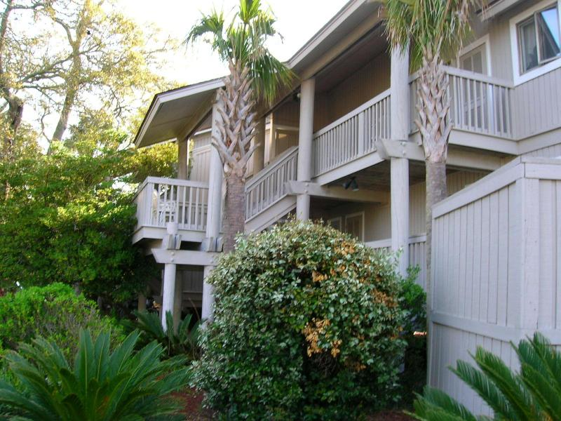 Spacious Island Villa Centrally Located in Wild Dunes . Charleston's Premier Ocean Resort. - WILD DUNES - 2 bd. Oh-So-Cozy-King Bed WIFI, pool - Isle of Palms - rentals
