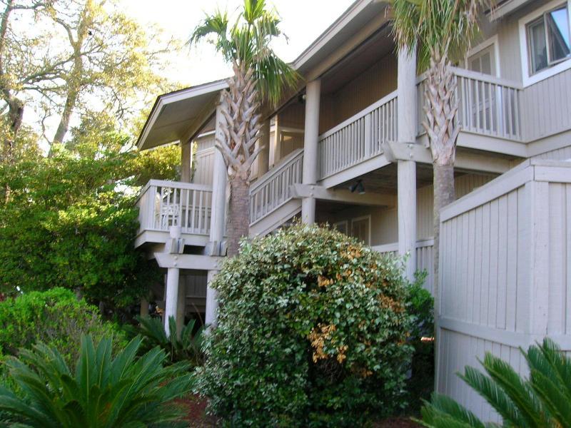 "Spacious Island Villa Centrally Located in Wild Dunes . Charleston's Premier Ocean Resort. - ""Oh-So-Cozy"" - King Bed, Wifi, Pool, Walkin Shower, 55"" Wall TV, Tennis/Golf -5* - Isle of Palms - rentals"