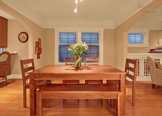 Room for Everyone! - Expansive Wallingford bungalow! Incredible views of Lake Union and skyline! - Seattle - rentals