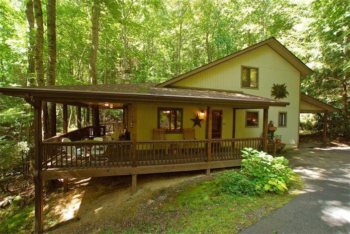 Front view of Creek 'n Woods I - CREEK - HOT TUB & GREAT REVIEWS ! - CNW #1 - Maggie Valley - rentals