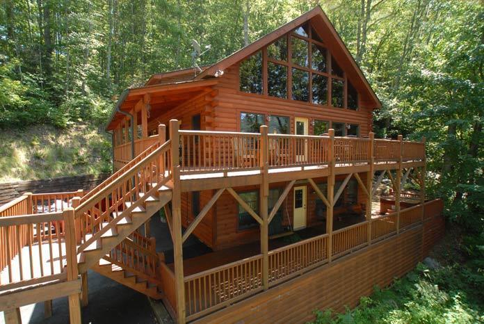 Creek n Woods IV - HUGE LUXURY CABIN - HOT TUB - WATERFALL - CLEAN - STELLAR REVIEWS !!! - CNW IV - Maggie Valley - rentals