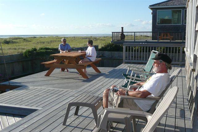 Beach front delight / ocean front deck - Beachfront Delight - Seaside - rentals
