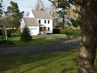 Front View - Gleneagles 3 Bed Home Hot Tub Cinema Room BBQ Hut - Auchterarder - rentals