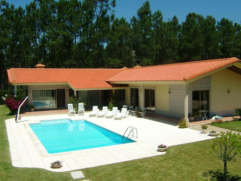 Large 3 bdr Villa in Esposende 45km from Porto - Image 1 - Esposende - rentals