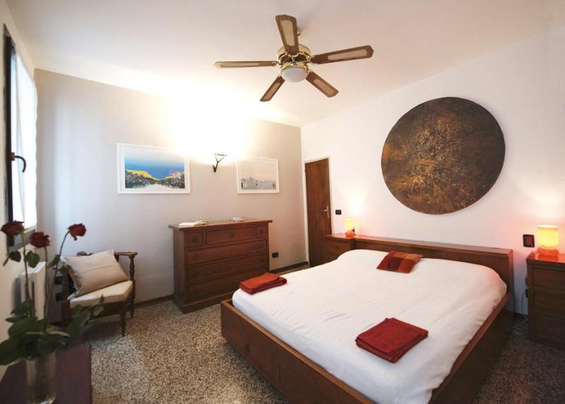 Double Bedroom (1) - Ca Foscari Apartment - Historical Centre of Venice - Venice - rentals