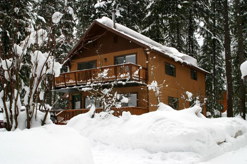 Two-Story Chalet - Snow is Falling!! Close to Steven's Pass - Leavenworth - rentals