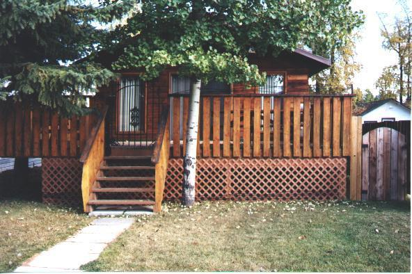 Front of Cottage - Cozy 2 Bedroom Cedarparkcottage Sylvan Lake (Open) - Sylvan Lake - rentals