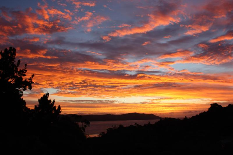 Another  gorgeous sunset in Paradise viewed from the kitchen window. - Studio 531 Accommodation and Pottery - Coromandel - rentals