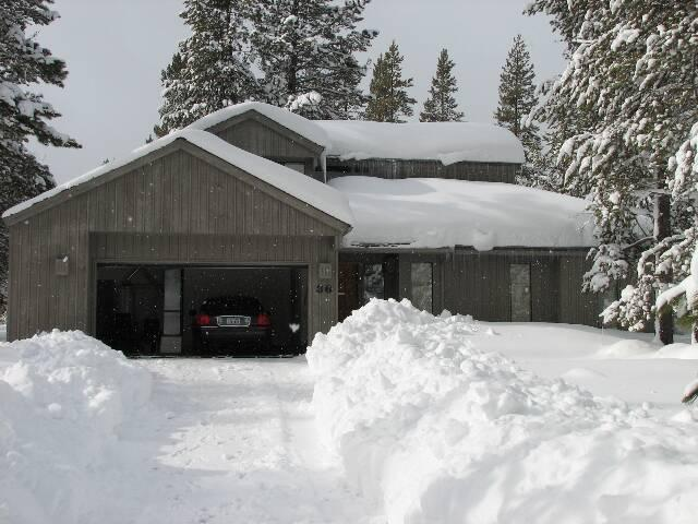 Front of house in winter - 36 Maury Mountain -Free SHARC admission for guests - Sunriver - rentals
