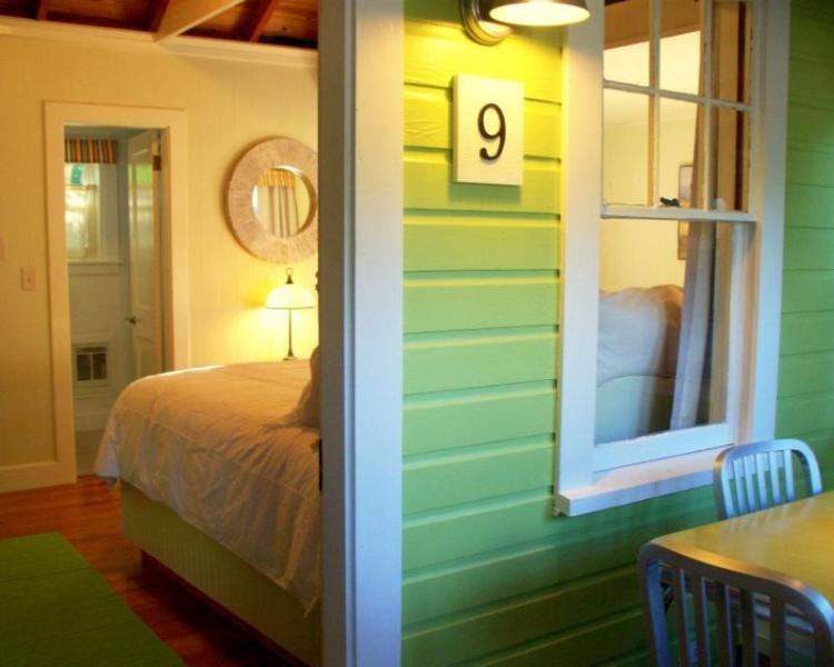 Cozy Cottage, InTown Wolfeboro, Lake Winnipesaukee - Image 1 - Wolfeboro - rentals