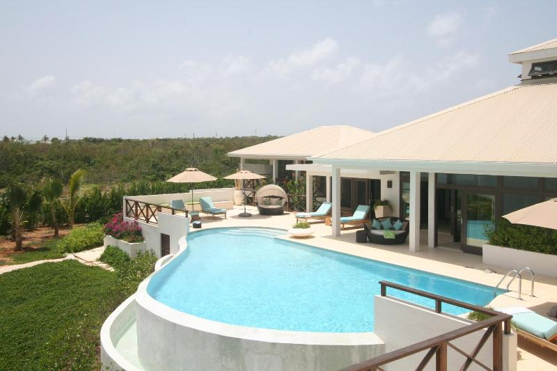 Seabird Villa - Minutes From Rendezvous Bay Beach - Image 1 - West End - rentals