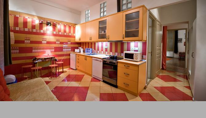 my favourite part..THE KITCHEN - Casa del Sole:JACUZZI,FREE WIFI,NEW BEDS,MATTRACES - Budapest - rentals