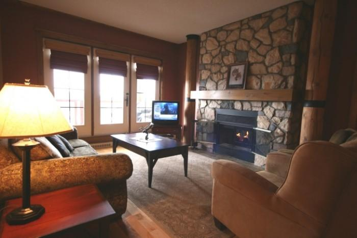 Wonderful 2 BR-2 BA House in Mont Tremblant (L'Equinoxe | 170-7) - Image 1 - Mont Tremblant - rentals