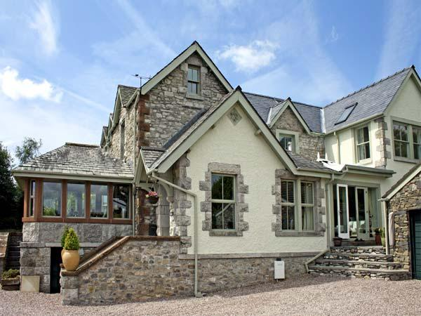 BAY VIEW, romantic, luxury holiday cottage, with a garden in Ulverston , Ref 4502 - Image 1 - Ulverston - rentals