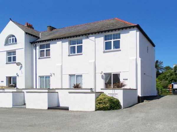CORVETTE, family friendly, with a garden in Trearddur Bay, Ref 4504 - Image 1 - Trearddur Bay - rentals