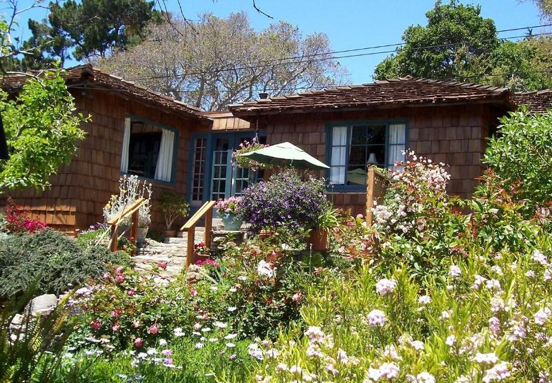 Cozy cottage, sunny garden, steps to the sea - Sweet, historic cottage on Carmel Point - Carmel - rentals