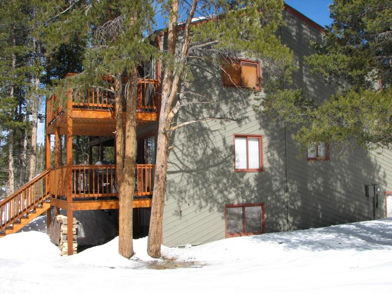 View from yard, two decks and privacy - 3BR/3BA Breckenridge Townhome on the Bus Route! - Breckenridge - rentals