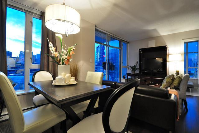 Luxury 2 bedroom Harbour View Apartment Crosstown - Image 1 - Vancouver - rentals