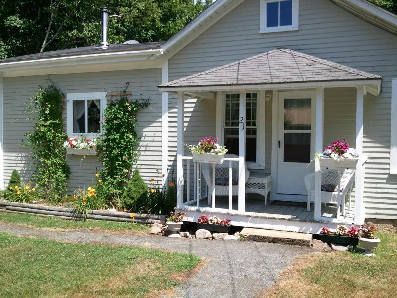 Shubert Bungalow - Shubert Bungalow: Pre-season DISCOUNT Book Now! - Seal Harbor - rentals