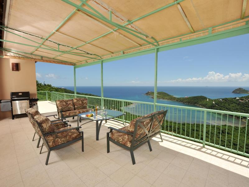 upper deck area - Villa Croix Vista /luxury 4 bedroom  4.5 bath,pool - Saint John - rentals