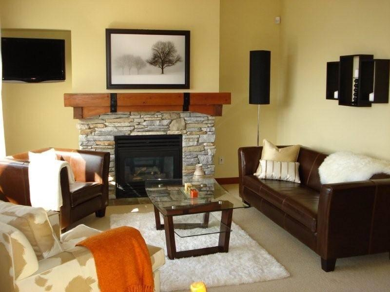 Bright living room with high ceilings...looking out onto fabulous views - Spectacular Views, Ski in/Ski out, 3 Bedroom - Whistler - rentals