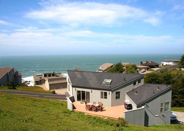 """Selkie Seas"" Bluff Beauty!VIEWS, Game room Walk to Beach! - Image 1 - Dillon Beach - rentals"