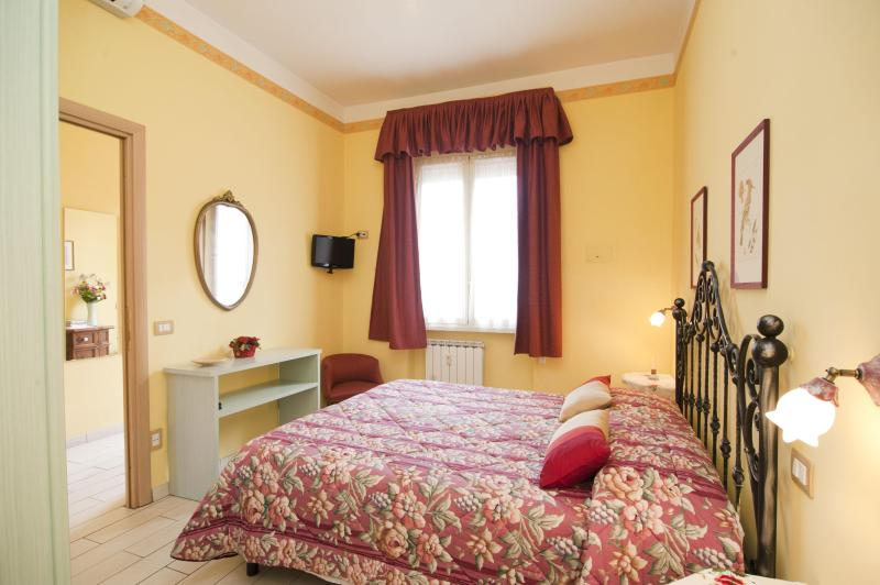 Rome, near to the Vatican, lovely 2 bedroom apt. - Image 1 - Rome - rentals