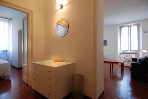 Comfy flat steps from Milan shopping area - Image 1 - Milan - rentals