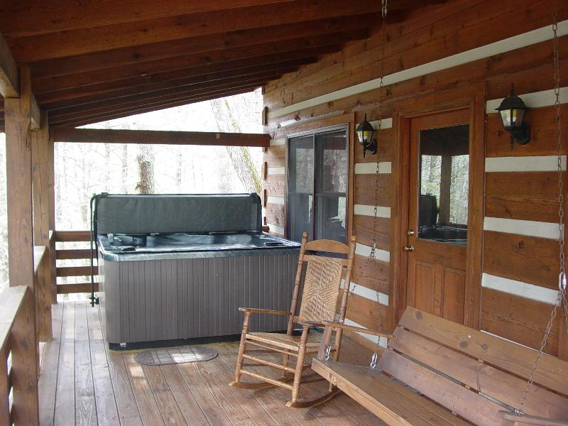 Covered Porch with Hot Tub, Rocking Chairs & Swing - Boone Secluded Creek Cabin/Hot Tub/Hike/FP/Fish/WiFi/Rent 5 nts. - 6th/7th Free! - Boone - rentals