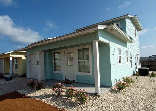 Super Cute Casita offer 3 bedroom / 2 baths and 2 community pools! - Image 1 - Port Aransas - rentals