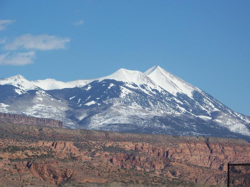 View from Master Balcony - GREAT SPRING RATES-WiFi,Pool&Hot Tub 1600 Sq.Ft - Moab - rentals
