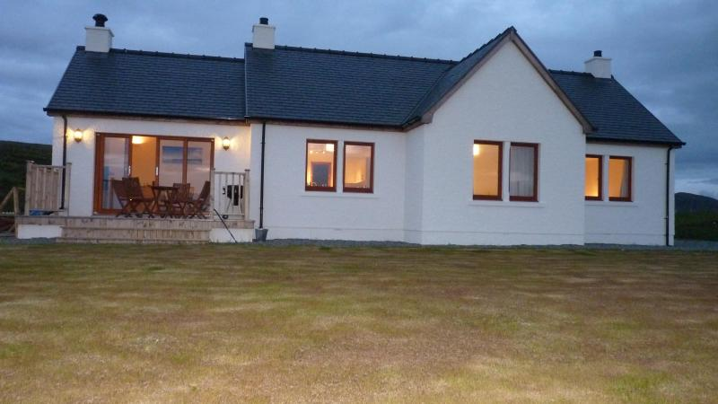 Midnight in June - Luxury Cottage Bonn Na Cnoc, Isle of Skye,Scotland - Uig - rentals