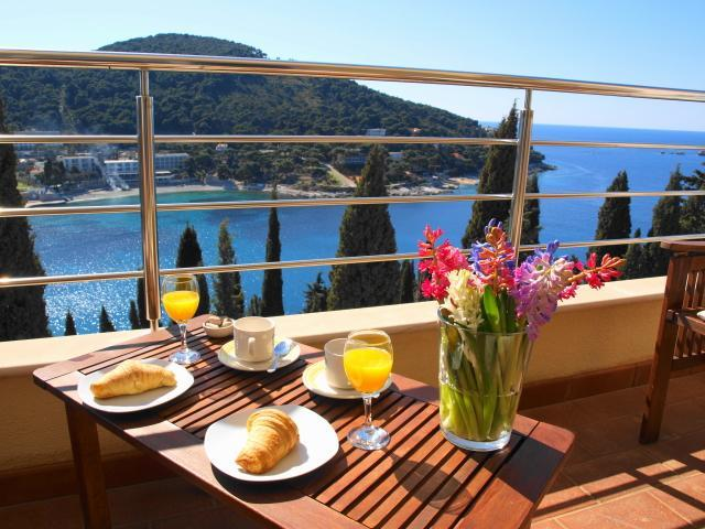 At l'Heure Bleue, rediscover the simple pleasures of sea, air and time. - Heure Bleue |Sunny 2-BR  with Amazing Sea Views and Parking Lapad Bay - Dubrovnik - rentals