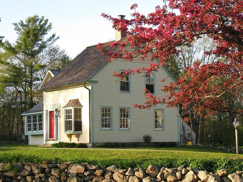 Haven Homeplace in the Spring with Apple Blossoms - Memorable, Private & Classic New England Farm Home - Ashburnham - rentals