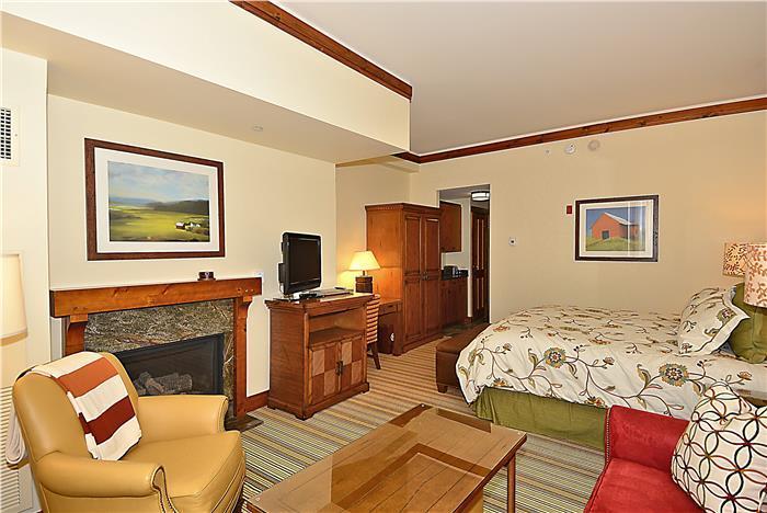 Studio 240 at Stowe Mountain Lodge - Image 1 - Stowe - rentals